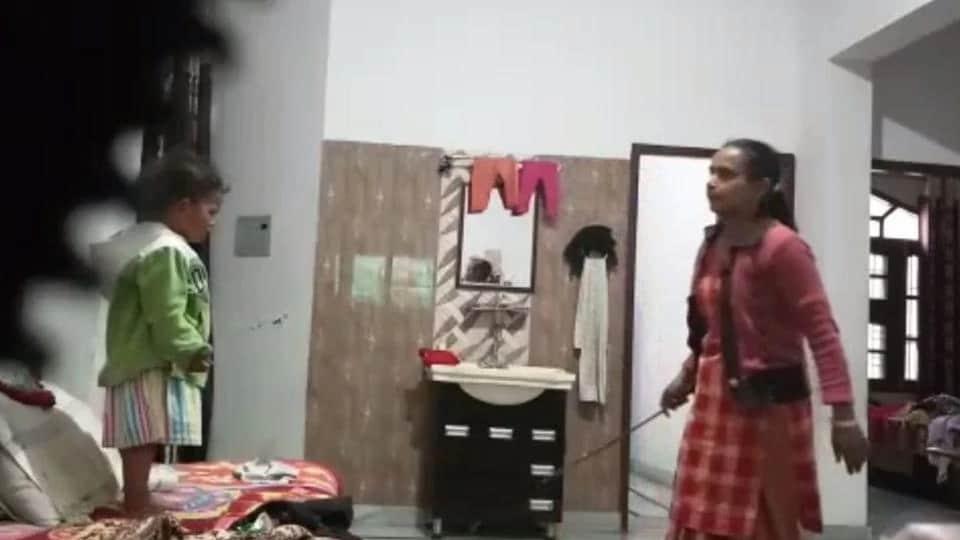 Kapurthala news,child abuse,maid caught thrashing toddler