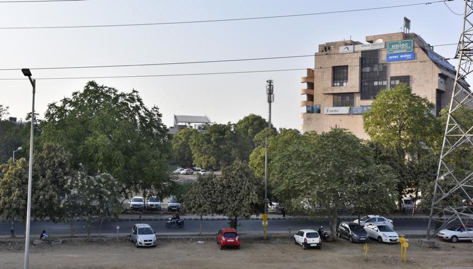 DLF Land Deal,Gurugram Gurgaon,Haryana