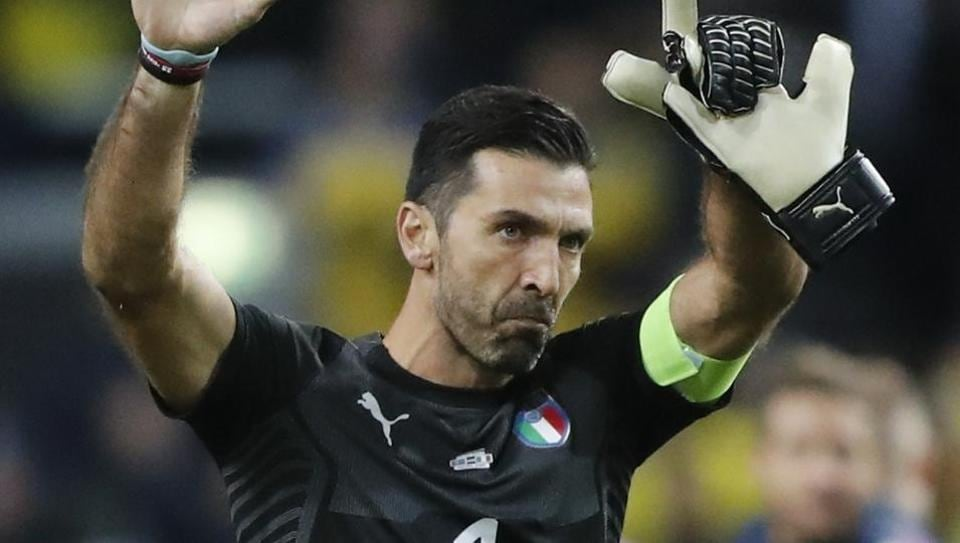 Buffon says ready to play for Italy By