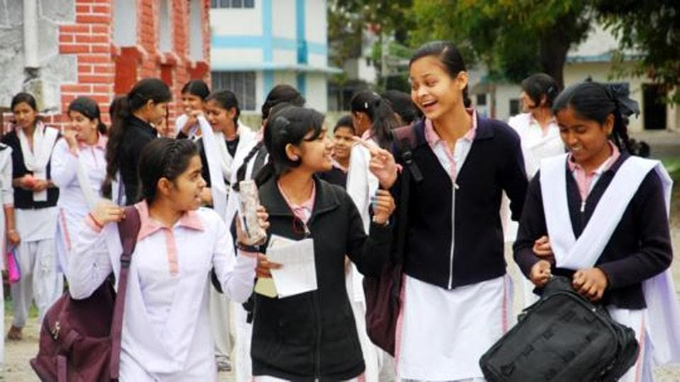 Fake certificates,Teachers,Deen Dayal Upadhyay Gorakhpur University