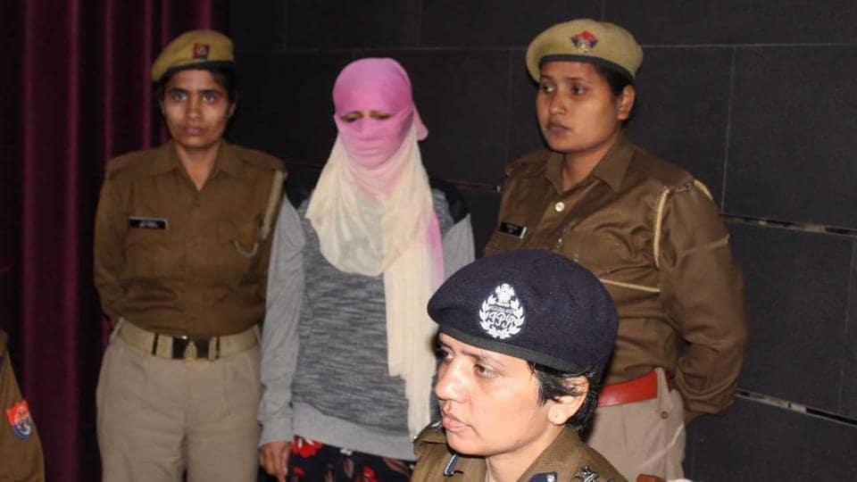 Acid attack accused Soni in police custody.