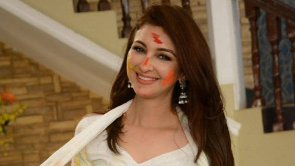 Saumya Tandon remembers how once her friends tricked her into playing Holi.