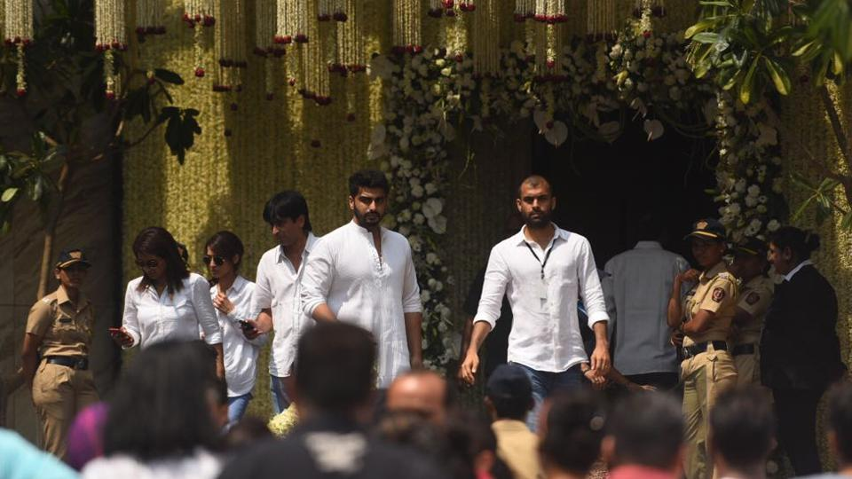 Arjun Kapoor seen at the Lohkhanwala sports club. According to ANI, Sridevi will be cremated with state honours. The Mumbai Police band has also reached Celebrations Sports Club to honour the actor. (Satish Bate / HT Photo)