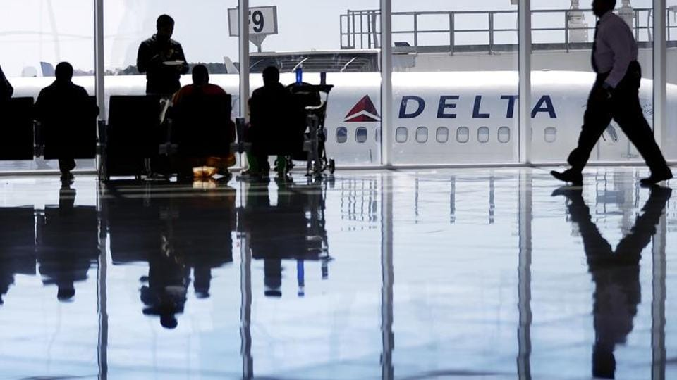 Delta airlines,Groping,Woman sues Delta