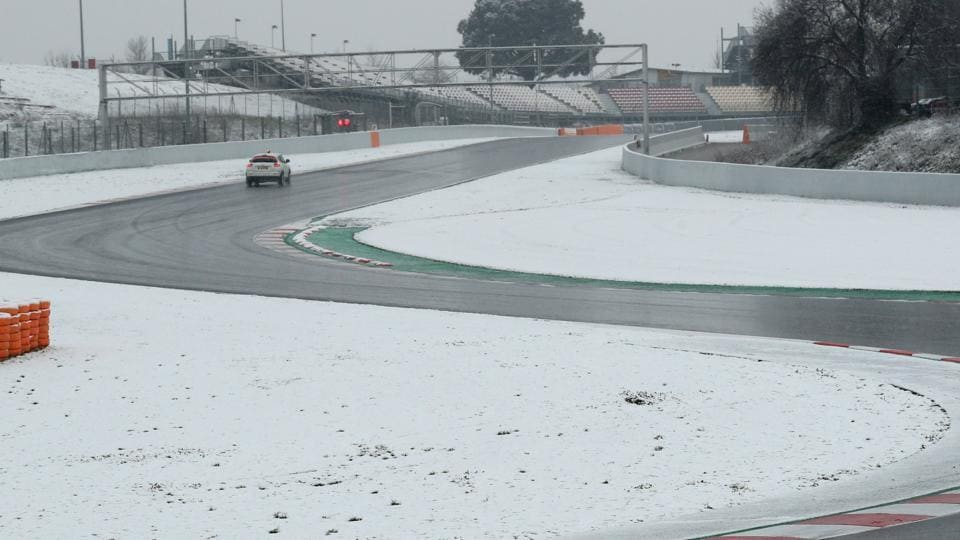 F1 testing delayed due to heavy snow in Barcelona