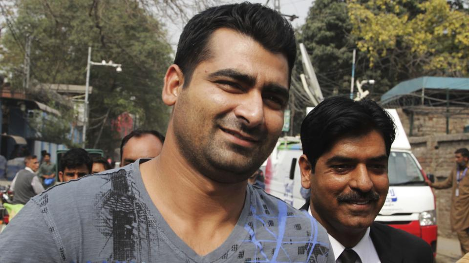 Pakistan cricketer Shahzaib Hasan leaves the office of the Federal Investigation Authority in Lahore, Pakistan. The Pakistan Cricket Board's anti-corruption tribunal has banned Hasan for one year and fined him 1 million rupees (US$9,020) after a spot-fixing scandal broke out in the second edition of Pakistan Super League (PSL) last year.
