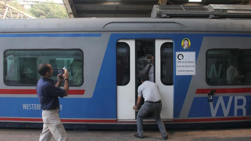 The Railway Recruitment Board has extended the last date for applying to more than 62,000 group D posts and more than 26,000 posts for assistant loco pilots and technicians to the end of March.