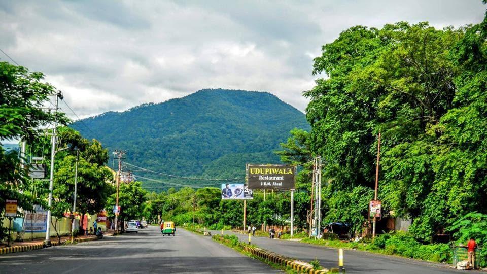 A road stretch on the Haldwani-Kathgodam highway.