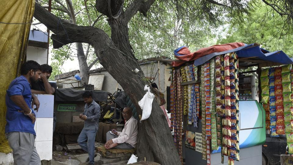 At present, a majority of vendors in Delhi do not have proper shops because of which they were unable to get loans as they had to show papers related to the shop as proof.