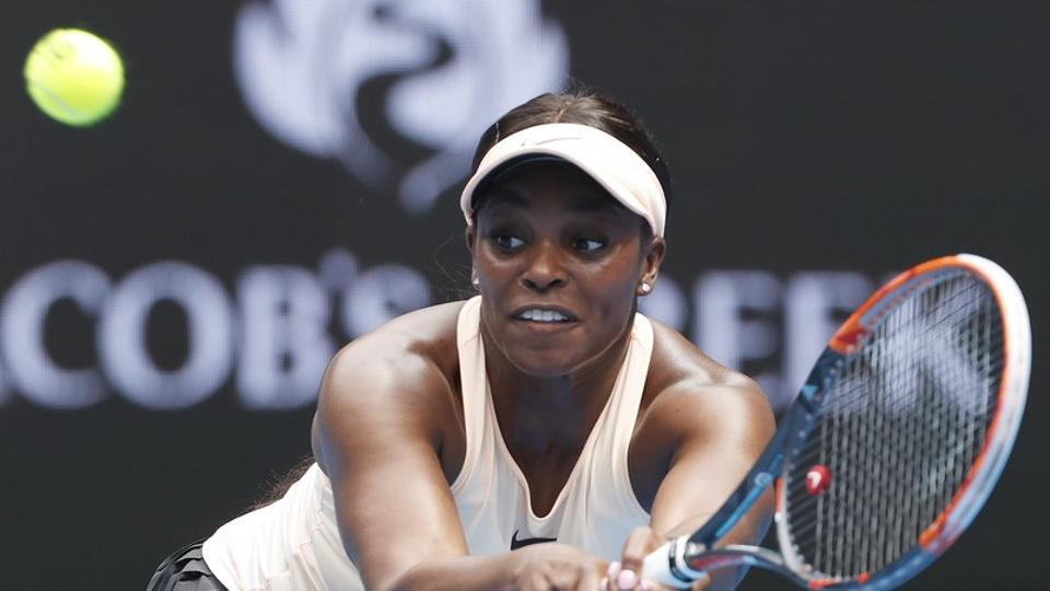 Sloane Stephens, winner of the WTA International tournament in 2016, was a set down against Aranxta Rus.
