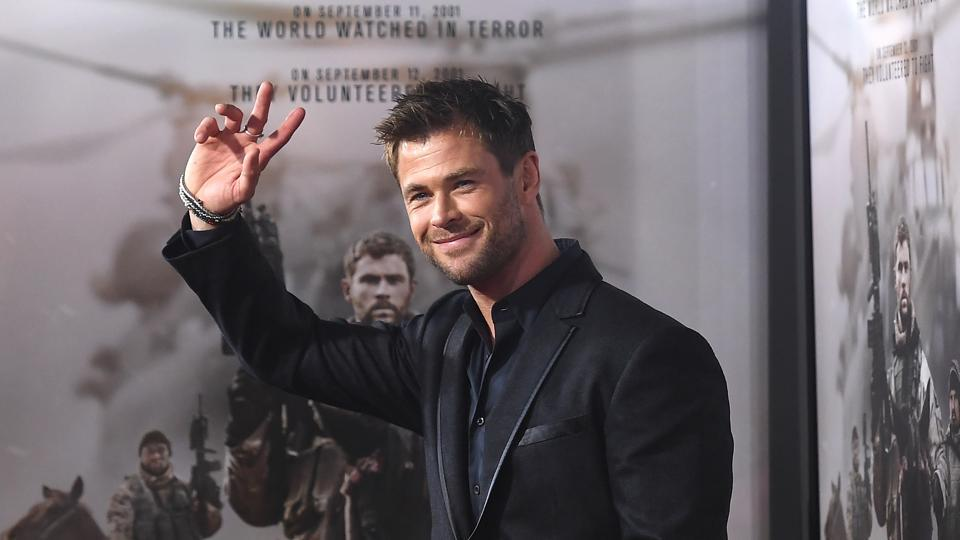 Chris Hemsworth might play the lead role in Men in Black spinoff.