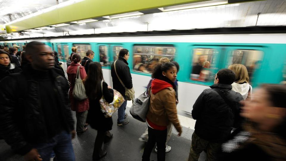 Paris Metro,France,pregnant woman