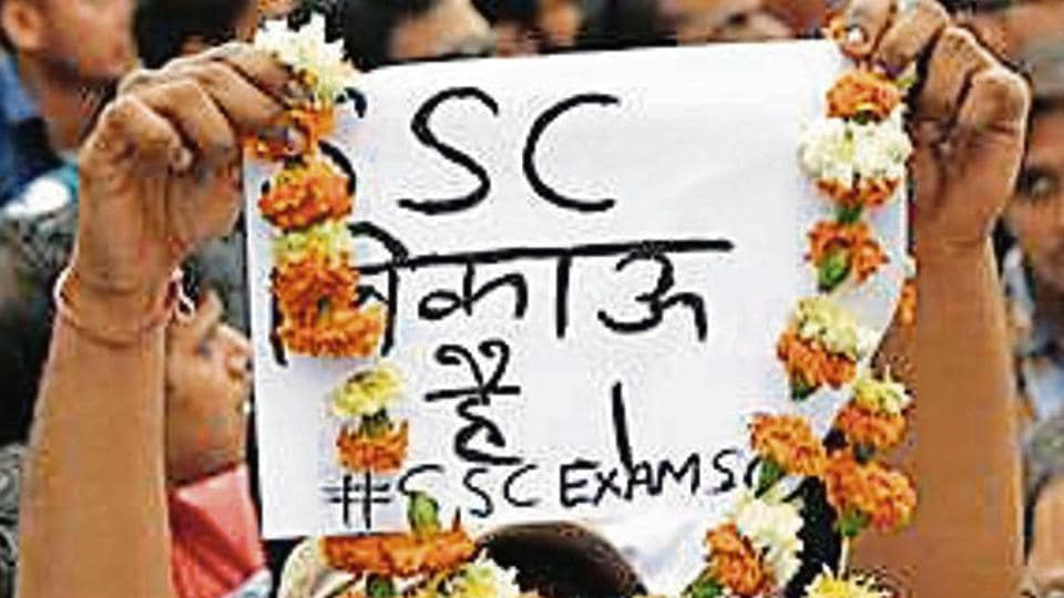 Staff Selection Commission aspirants protest in New Delhi on Sunday.