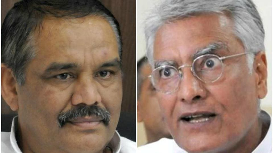 Punjab BJP president Vijay Sampla (left) and state Congress chief Sunil Jakhar