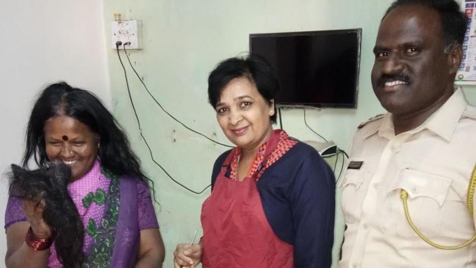 Nandini Jadhav and PSIShivaji Bhosale convinced Shanta Bhise (left) to cut their dreadlocks.