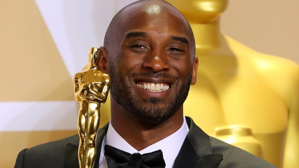 NBAstar Kobe Bryant with the Best Animated Short Film Award for 'Dear Basketball' at the 90th Academy Awards - Oscars Backstage - in Hollywood, California.