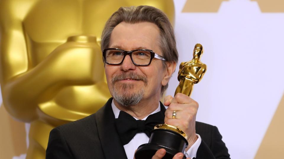"Gary Oldman's performance as the indomitable British statesman in ""Darkest Hour"" earned the best actor Oscar on Sunday, capping his triumphant awards season that included a Golden Globe and other trophies for the role. (Mike Blake / REUTERS)"