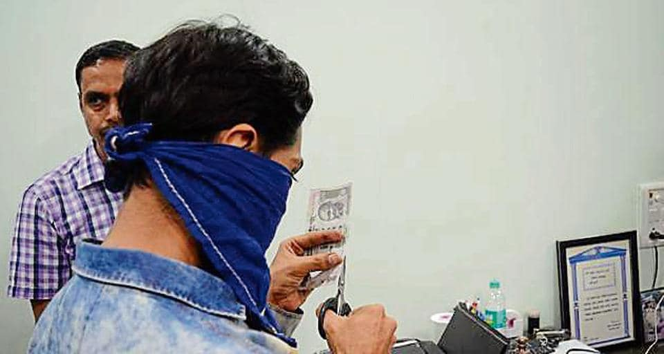 The accused demonstrated to the police how they made the fake currency notes