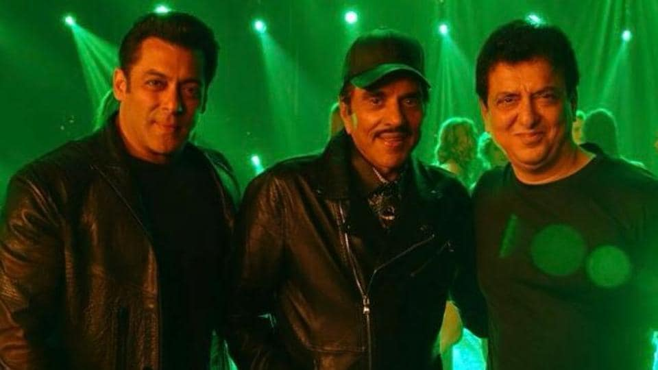 Salman with Sajid and Dharmendra. (Photo: twitter/Warda S Nadiadwala)