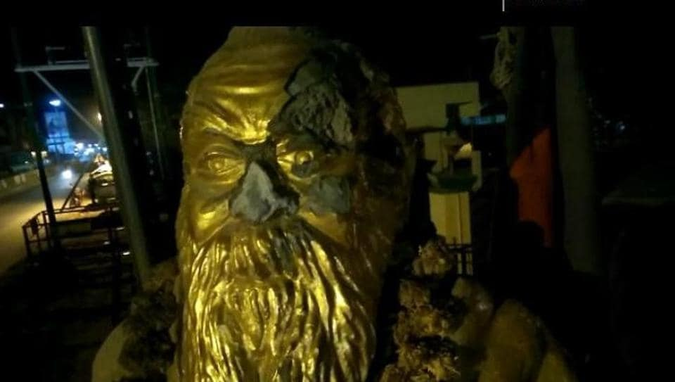 A statue of social reformer EVR Ramasamy, popularly known as Periyar, was vandalised in Tamil Nadu on Tuesday.