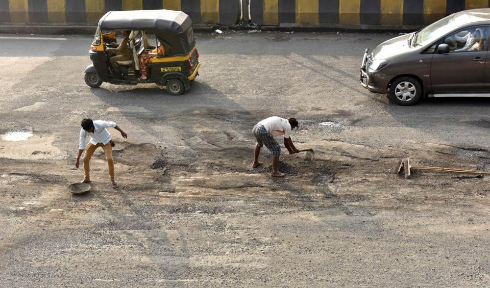 Currently, the BMC pays Rs130 per kg for pothole mix it imports from Midas Touch [Austria] and Smart Fill [Israel].