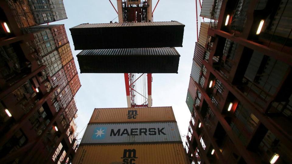 Maersk Line vessel catches fire,Arabian Sea,One dead in Maersk vessel fire