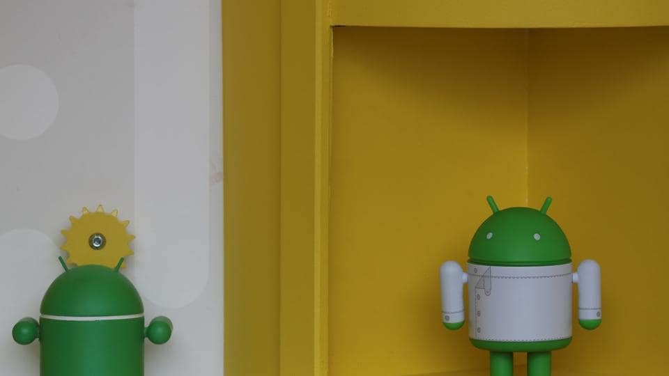 Google releases Android P Developer Preview.