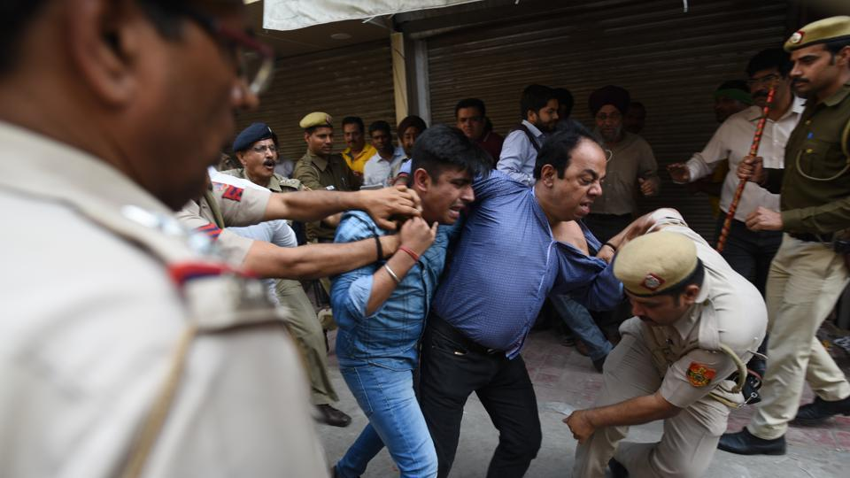 The shopkeepers protested against the sealing drive in Lajpat Nagar on Thursday. Some traders engaged in scuffle with policemen who accompanied the SDMC staff. Later, the police lathicharged protesters who tried to block traffic on Ring Road.