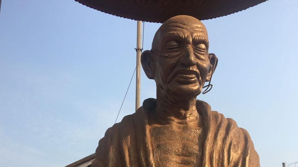Statue vandalism,Ambedkar statue vandalised,Gandhi statue defaced