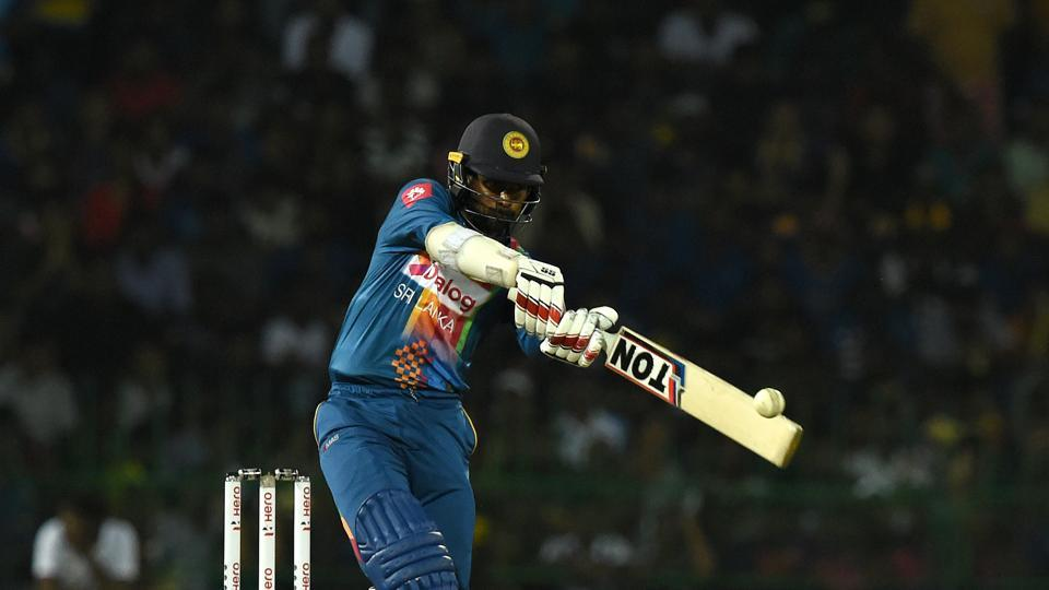 Upul Tharanga hit a quickfire 32* as Sri Lanka posted 214/6.  (AFP)