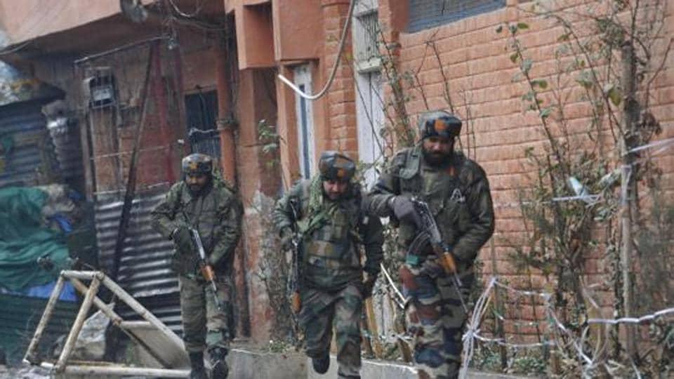 CRPF Camp,Kashmir,Militant attack