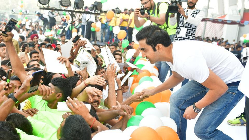 Cricketer Gautam Gambhir greets the attendees at the first edition of Soldierathon, organised to honour the sacrifices of the Indian soldiers.