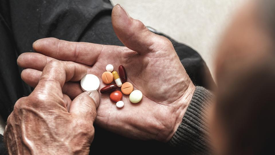 Stroke survivors taking a higher number of daily medicines and experiencing a greater number unmet needs with practical aspects of medicine-taking were more likely to miss medications.