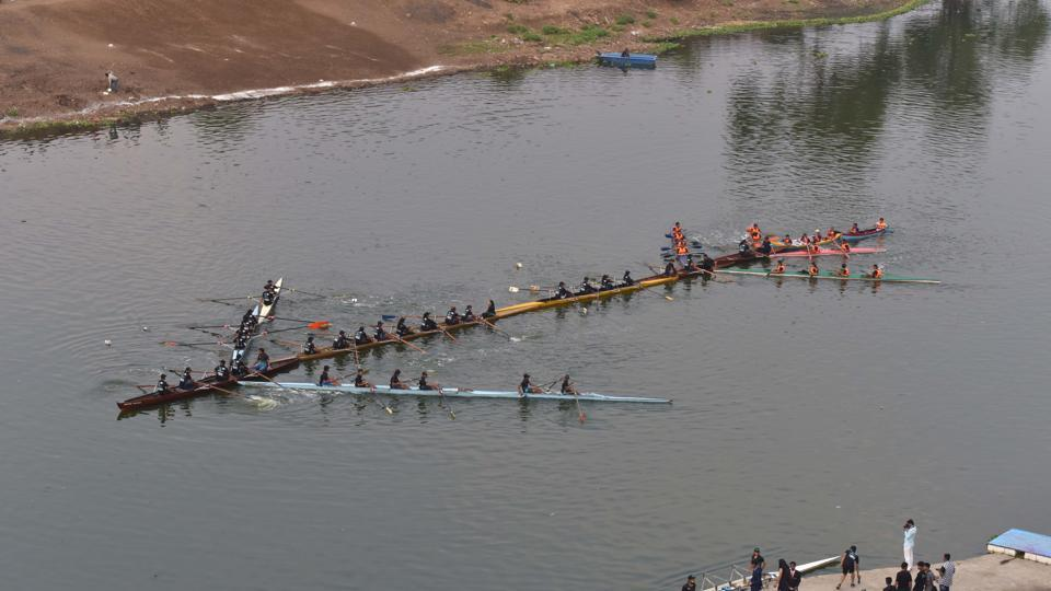 Students of COEP display arrow formation during 90th Regatta at Boat Club in Pune. (Pratham Gokhale/HT Photo)