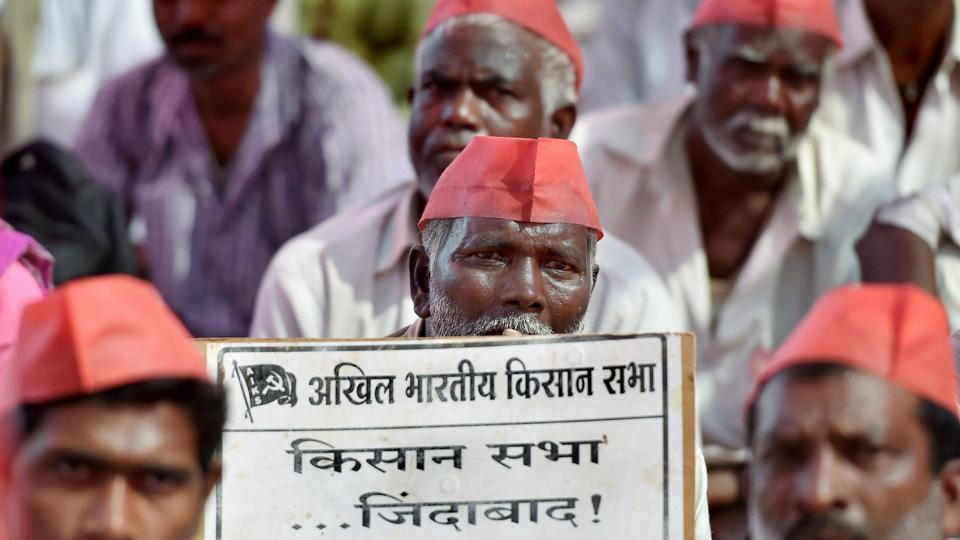 Farmers participate in a long march organised by All Indian Kisan Sabha (AIKS) at Azad Maidan in Mumbai on Monday.