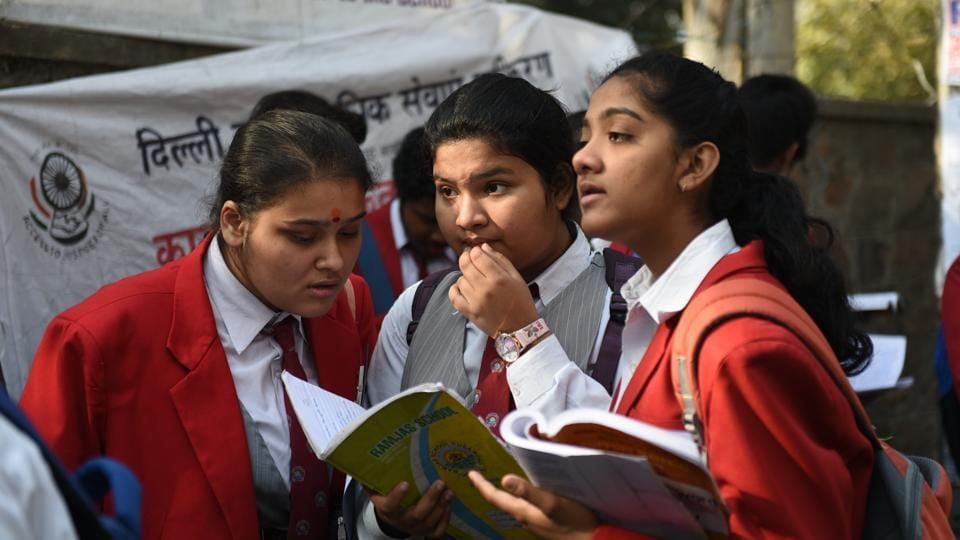 The CBSE Class 10 and 12 board exams began on March 5. Mahua Mallick, a class 10 English teacher at Ahlcon International School, said a few of her students were unable to locate these words while others who did not rely on the paragraph cues found them.