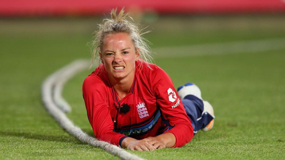 Engalnd women's cricket team member Danielle Wyatt will now use a bat gifted to her by Indian cricket team skipper Virat Kohli in the upcoming tri-nation series, where England will face off against India and Australia.