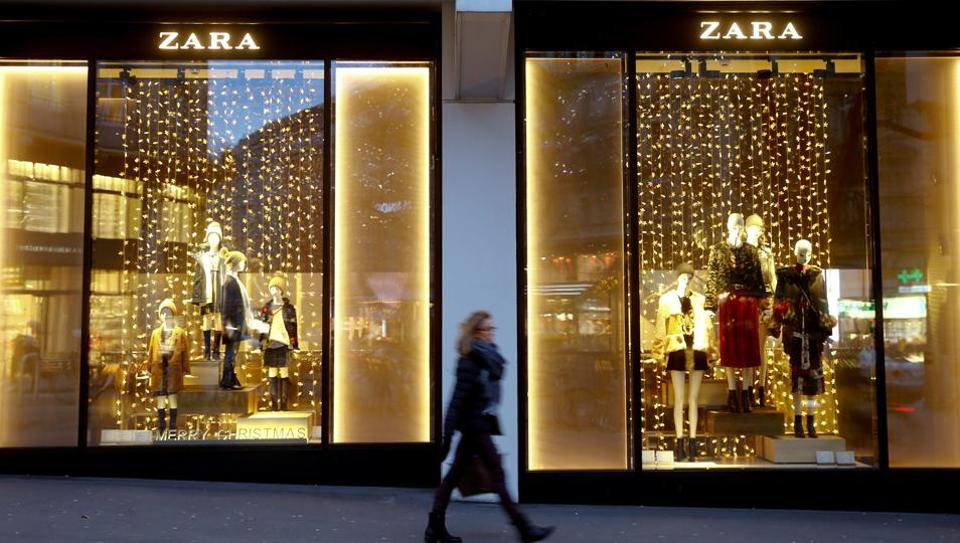A Zara window display on Bahnhofstrasse in Zurich, Switzerland.