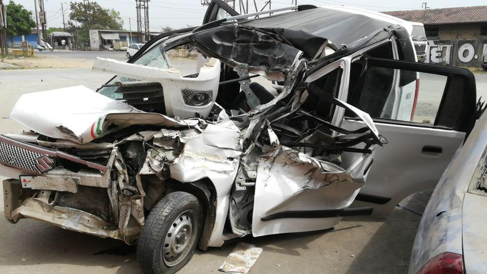 Greater Noida,Truck car collision,Road accident