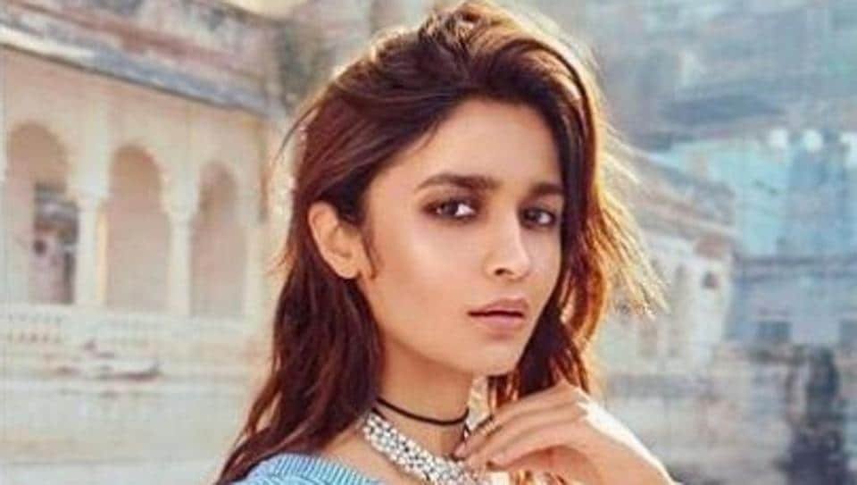 To get the full blue jean scoop, you'll want to get inspired by birthday girl Alia Bhatt. Get ready to be a jean queen a la Alia? (Instagram/ Alia Bhatt)