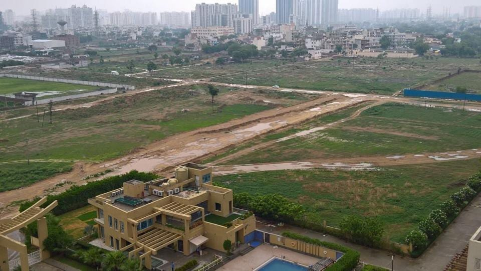 Huda will be spending over Rs 40 crore for the purchase of land in order to complete the road