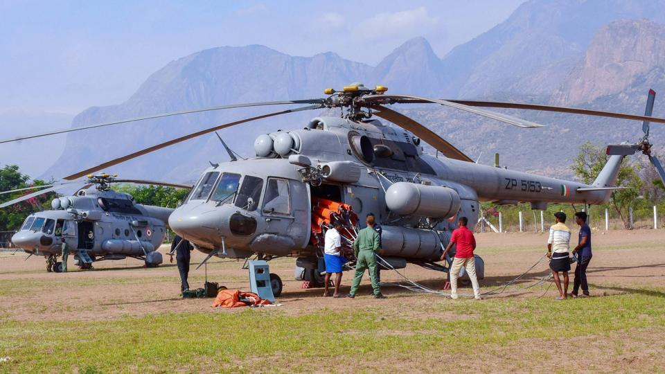 A team IAF personnel, including a medical team, based at Sulur Airbase in Coimbatore prepares for the rescue operation after trekkers were caught in a forest fire in Theni district.