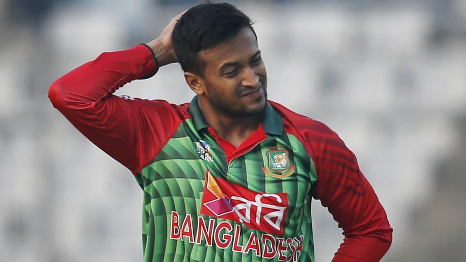 Nidahas Trophy,Courtney Walsh,Shakib Al Hasan