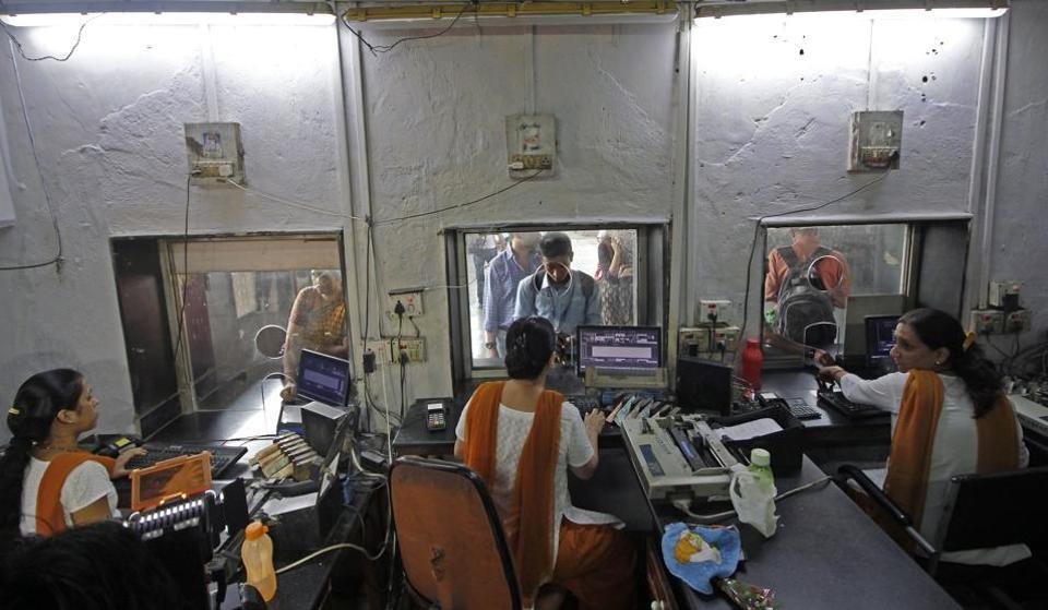 The all women staff at Matunga station.