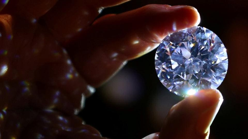 The survey said while the well-known branded jewellery makers issue certificates of purity, the bulk of the trade is still concentrated in the unorganised market, based on mutual faith between consumers and jewellers.