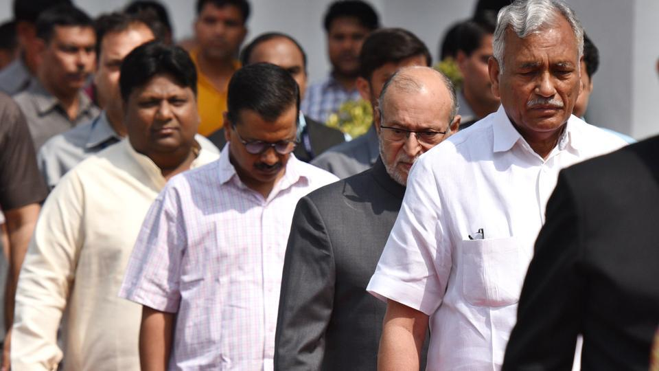 Delhi Assembly speaker Ram Niwas Goel (R), Lieutenant Governor of Delhi Anil Baijal (C) and Chief Minister of Delhi Arvind Kejriwal arrive for the Legislative Assembly at Delhi Vidhan Sabha on Friday. (Raj K Raj / HT Photo)