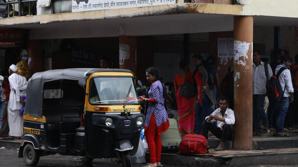 In 2012, prepaid autorickshaw booths were seen at Swargate but were shut within one year due to lack of response.