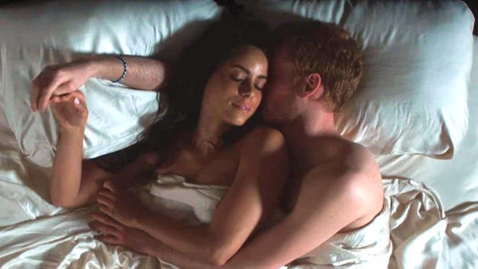 British actor Murray Fraser plays Prince Harry, while Parisa Fitz-Henley portrays Markle in the Lifetime movie.