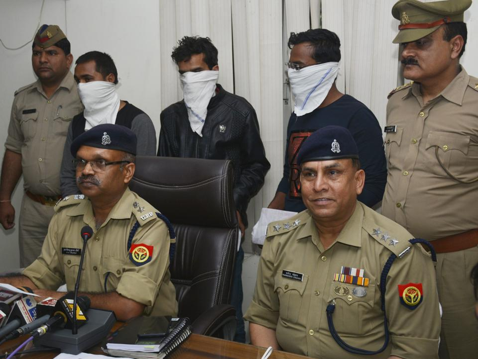 The arrested trio has been identified as Raju Arora, Rinku Gaur and Asif Ahmad. They are from Delhi and worked as delivery boys for various logistic companies engaged in delivery of goods for e-commerce companies.