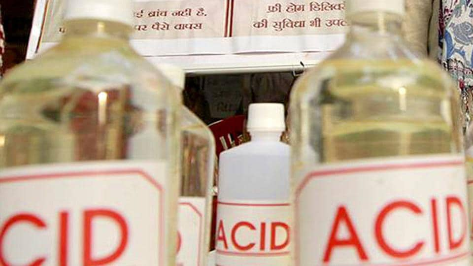 acid attack,ghaziabad,crime